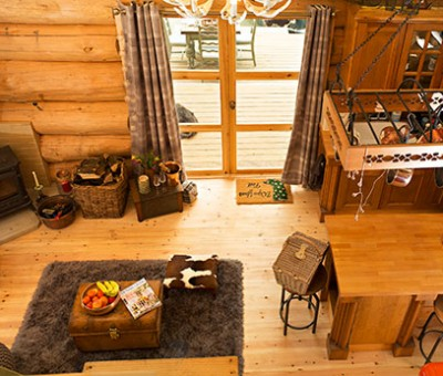 Luxury Log Cabin - Interior shot from Mezzanine