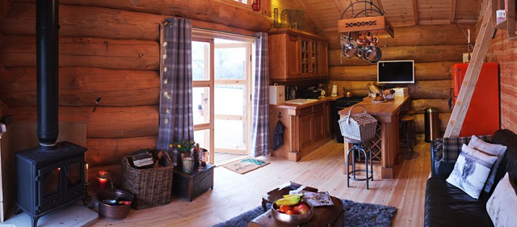 Luxury Log cabin - Wood burner and Kitchen