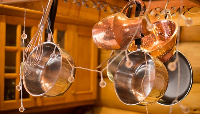 Luxury Log Cabin - Copper pots and pans