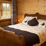 Luxury Log Cabin - Bedroom Interior side