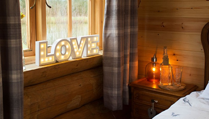 Luxury Log Cabin - Bedroom interior